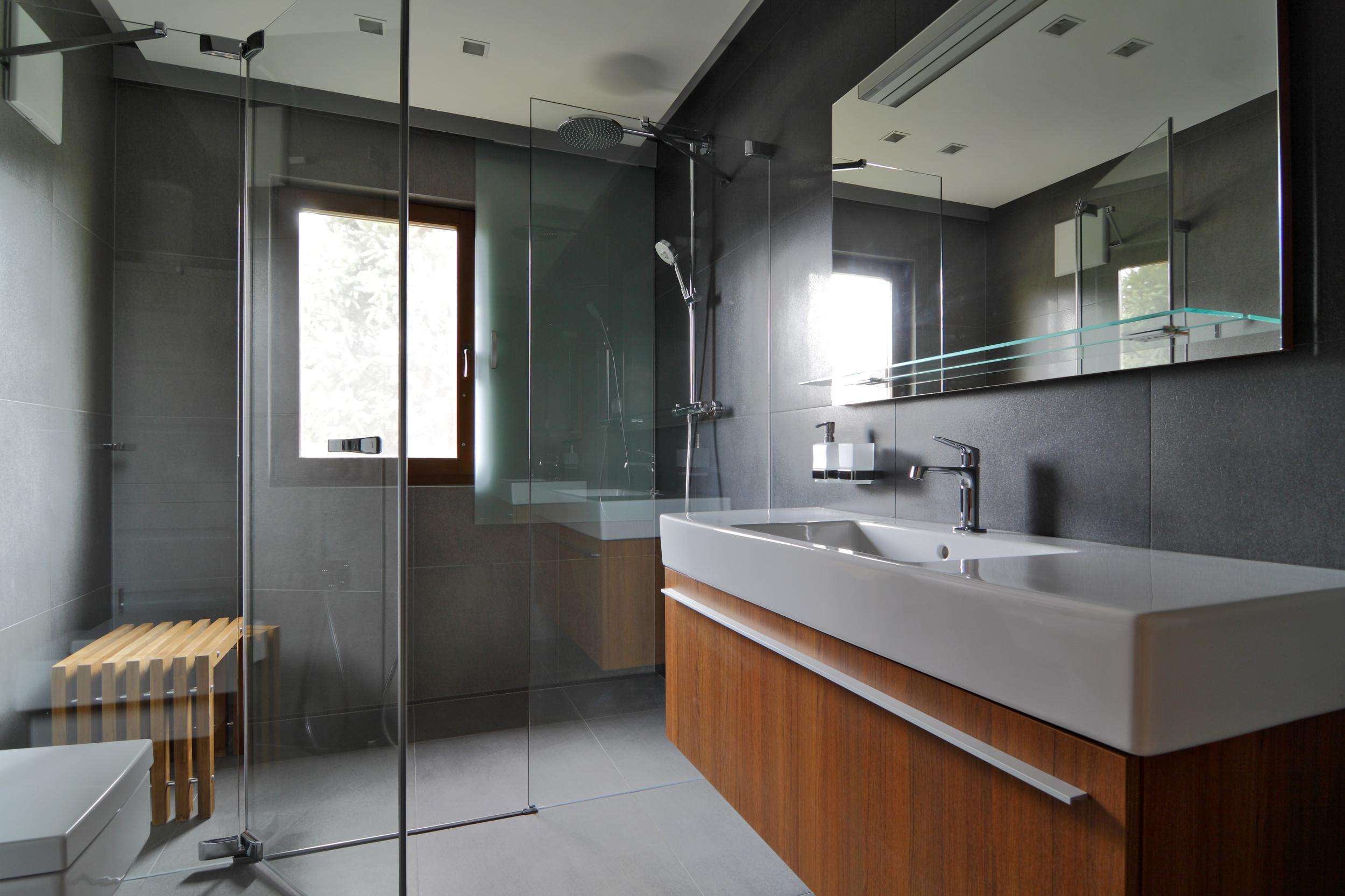 barrierefreies badezimmer, wolfsthal, Österreich | rules architekten