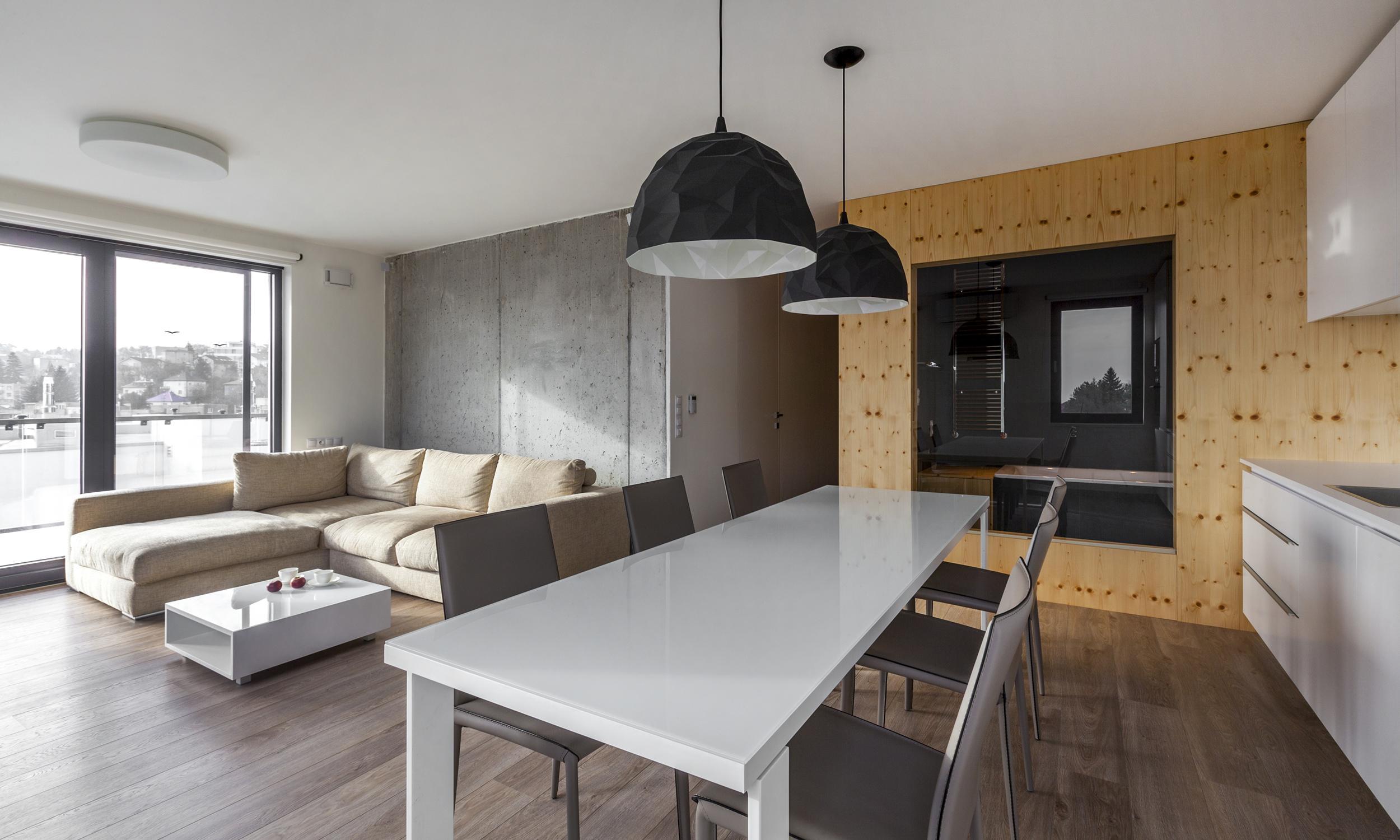Drei zimmer wohnung mit einer betonwand bratislava - Betonwand wohnzimmer ...