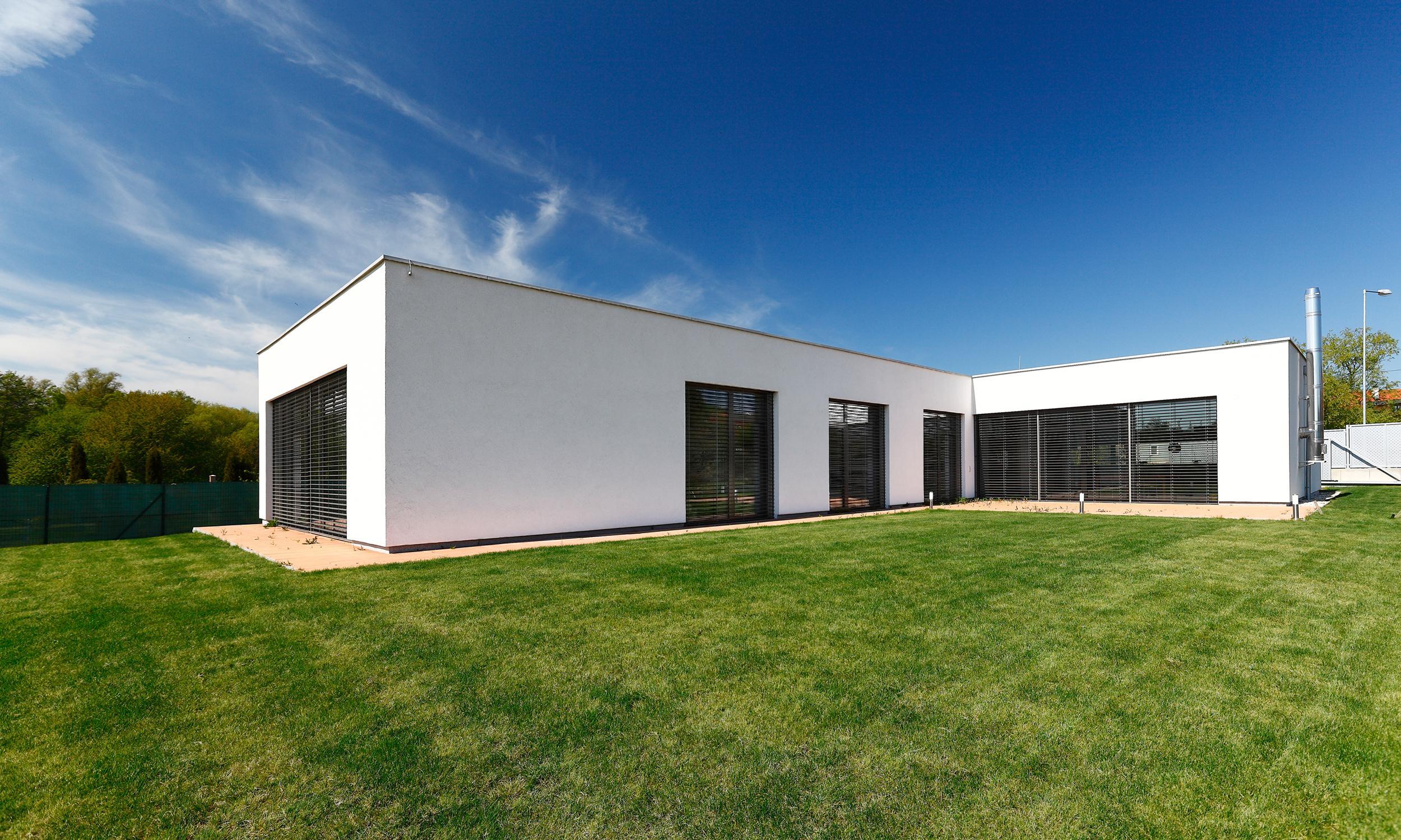 low energy detached house bratislava slovakia rules architekten. Black Bedroom Furniture Sets. Home Design Ideas